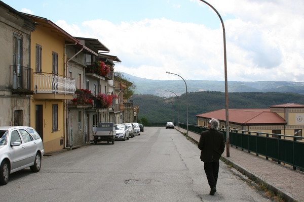 Joe walks in the streets of his ancestors, a Calabria in Calabria.