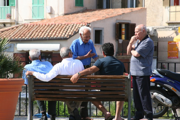 Italian men seem to be very social. Seen in groups everywhere.