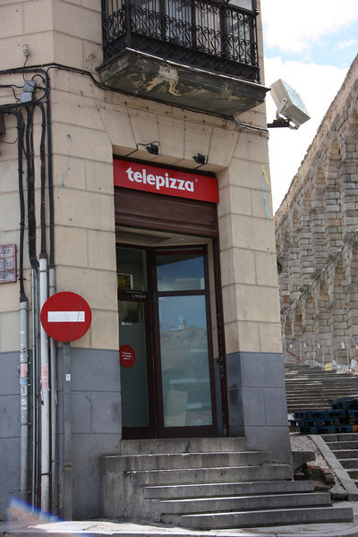 Telepizza!  We had those in Portugal.  I was happy to see that Spain gets the love, too.