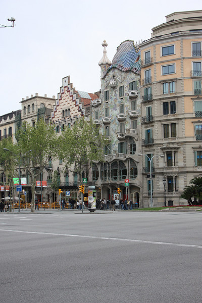 Casa Battlo (with the crazy roof) on the right and Casa Amatller (with the triangle roof) on the left.  Casa Battlo was designed by Gaudi (go figure) and Casa Amatller by one of his contemporaries.