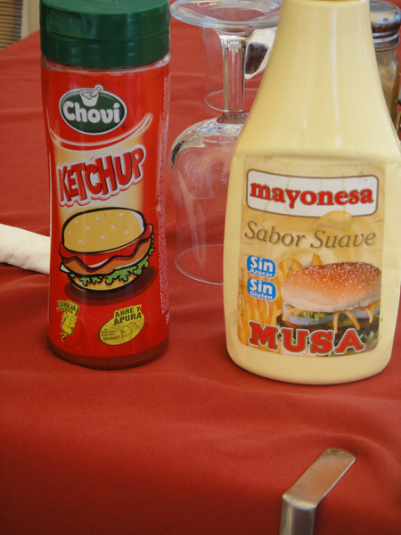 Ketchup and mayo that costs me 2 euros
