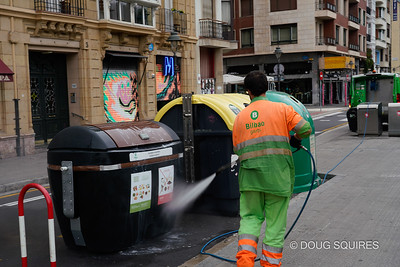 The Garbi keep the city very clean.