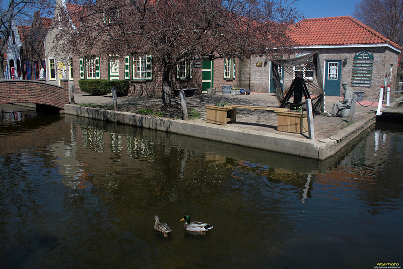 """Nelis' Dutch Village<br /> I have vague memories of having been here as a young child with my Grandma and Grandpa Golofit.<br /> <br />  <a href=""""http://www.dutchvillage.com/"""">http://www.dutchvillage.com/</a><br />  <a href=""""http://bit.ly/ilgpU5"""">http://bit.ly/ilgpU5</a>"""