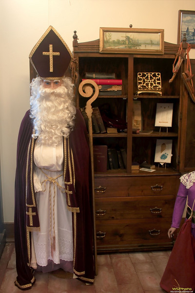 """Nelis' Dutch Village<br /> Sinterklaas<br /> I have vague memories of having been here as a young child with my Grandma and Grandpa Golofit.<br /> <br />  <a href=""""http://www.dutchvillage.com/"""">http://www.dutchvillage.com/</a><br />  <a href=""""http://bit.ly/ilgpU5"""">http://bit.ly/ilgpU5</a>"""