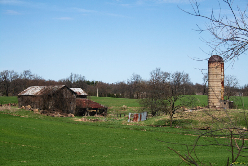 A pleasant old barn and silo scene on the way to the Fallasburg Covered Bridge.