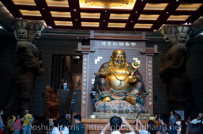 Another shot of the Buddha statue.  You can also see 2 of the 4 pillar statues holding the roof up