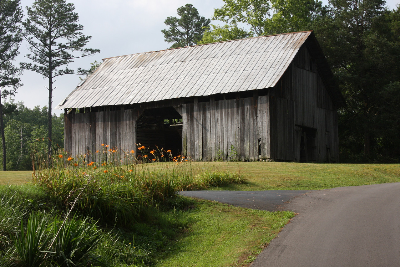 I took this picture of a barn while on a morning walk through the countryside.