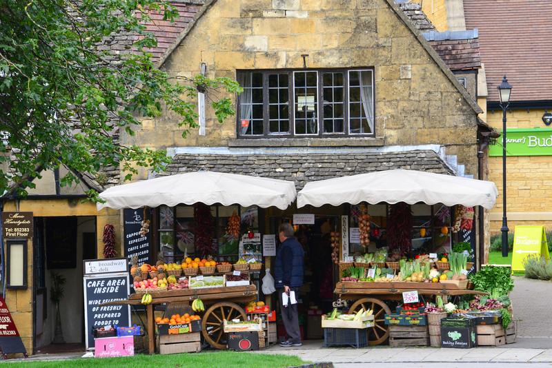 Fruit Market in Broadway