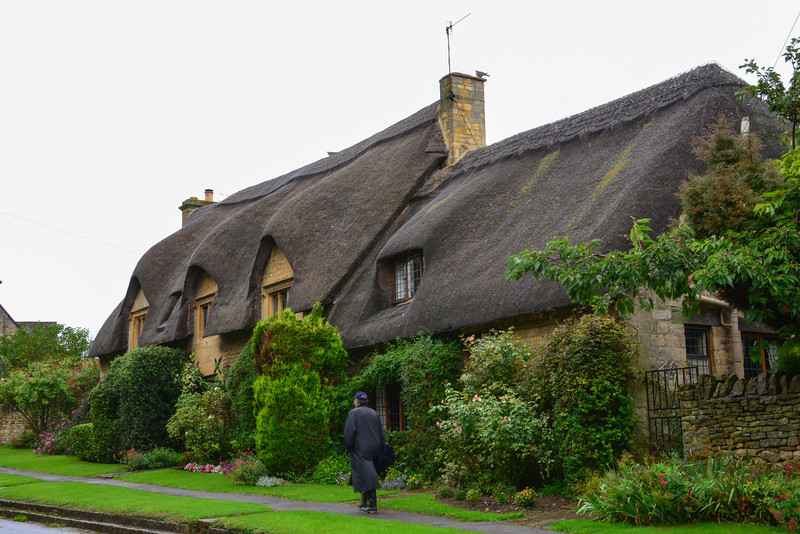 """John and Dorothy Gadsby welcome you to, """"Little Thatch"""" - a beautifully restored 17th Century Thatched character cottage for 3. Built of mellow Cotswold stone it is situated in a lovely quiet location - Westington - which is just a 10 minute walk from Chipping Campden's famous High Street with it's outstanding architecture and good selection of Shops, Hotels and Restaurants.<br /> <br /> """"Little Thatch"""" is delightfully situated in Westington, the most beautiful area of Chipping Campden and is in an ideal location for those who wish to getaway from it all. Just a short distance and you are in what is probably the most beautiful and charming of the small Cotswold towns. With it's High Street and buildings such as the Market Hall, St James Church and Old Campden House which are all renowned for their architecture"""