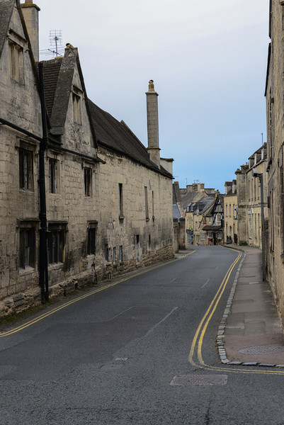 New Street, constructed around 1428 when the wool and cloth trade was flourishing, contains the oldest building in England to hold a Post Office, Painswick's only example of exposed timber framing. Beacon House with its magnificent Georgian Frontage and the Falcon Hotel with the oldest bowling green in England.