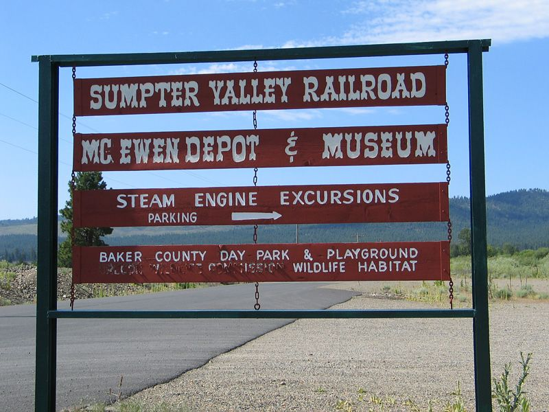 I spent the night in John Day where the power went out when a firetruck knocked down a power pole. The next day I rode east on US 26 and OR 7 to Baker City. I stopped at this railroad museum.