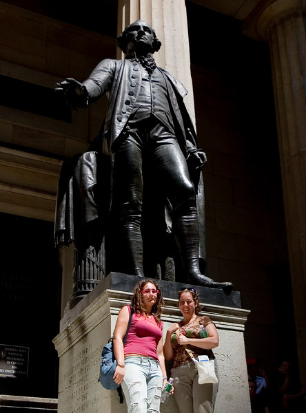 Judy, Francesca with George Washington outside Federal Hall.