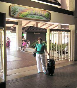 Pict3269sa, Jan, arrival in Lihue, Kaua'i, aug 18, 2005