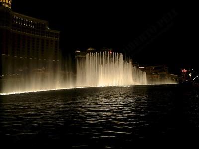 Las Vegas - Giochi d'acqua del Bellagio 2004-03-08 at 06-18-10