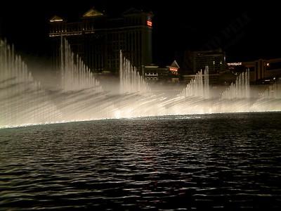 Las Vegas - Giochi d'acqua del Bellagio 2004-03-08 at 06-17-24