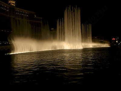 Las Vegas - Giochi d'acqua del Bellagio 2004-03-08 at 06-16-16