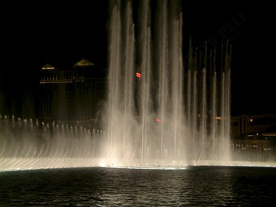 Las Vegas - Giochi d'acqua del Bellagio 2004-03-08 at 06-17-46