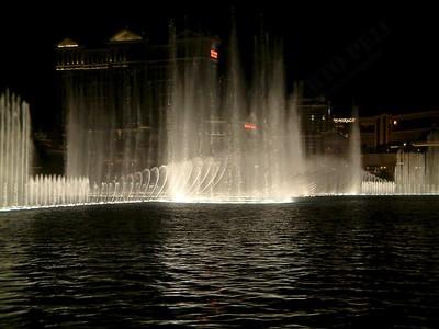 Las Vegas - Giochi d'acqua del Bellagio 2004-03-08 at 06-17-34