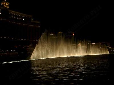 Las Vegas - Giochi d'acqua del Bellagio 2004-03-08 at 06-17-04