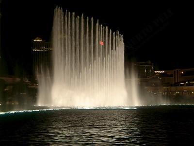 Las Vegas - Giochi d'acqua del Bellagio 2004-03-08 at 06-17-54