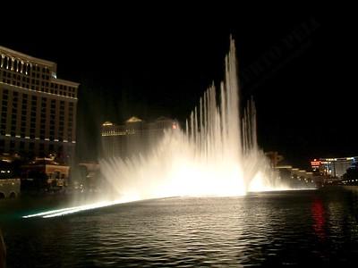 Las Vegas - Giochi d'acqua del Bellagio 2004-03-08 at 06-02-36