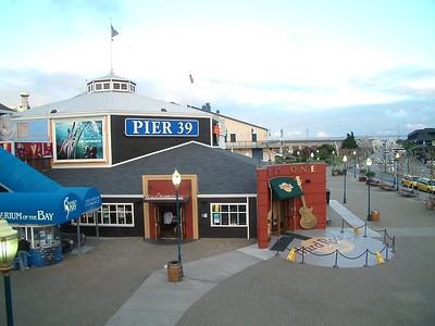 Fisherman's Wharf - Il famoso Pier 39 e l'Hard Rock Cafe 2004-03-02 at 02-44-13