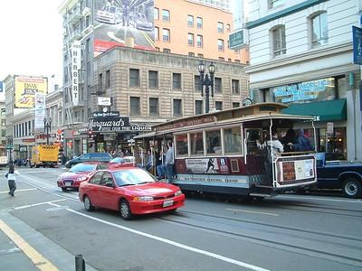 Powell St. - Il famoso tram... 2004-03-02 at 00-42-59