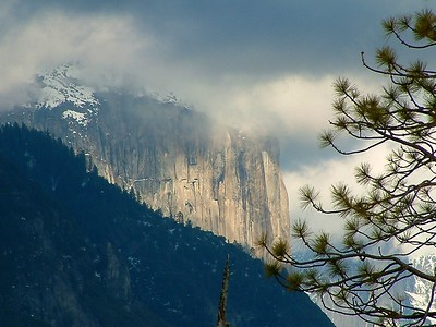 Yosemite - Panorama teleobiettivato 2004-03-05 at 01-02-31