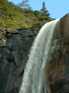Yosemite - La cascata con prova di scatto lento e teleob 2004-03-05 at 01-25-26