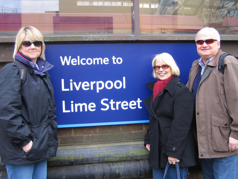 Sherri, Barbara & Ralph arrive in Liverpool.