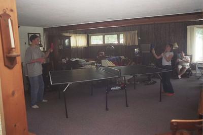 Jackson whoops Steph at ping-pong