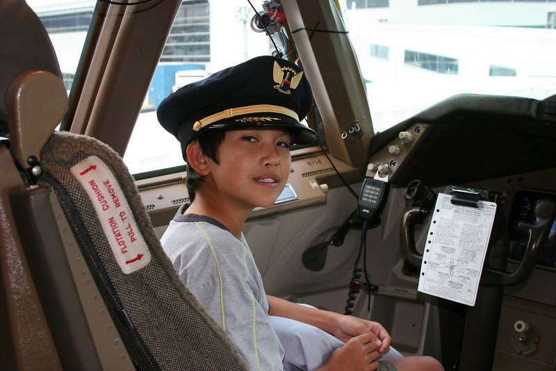 Mark in the cockpit of the Boeing 747 shortly before departing Sydney.