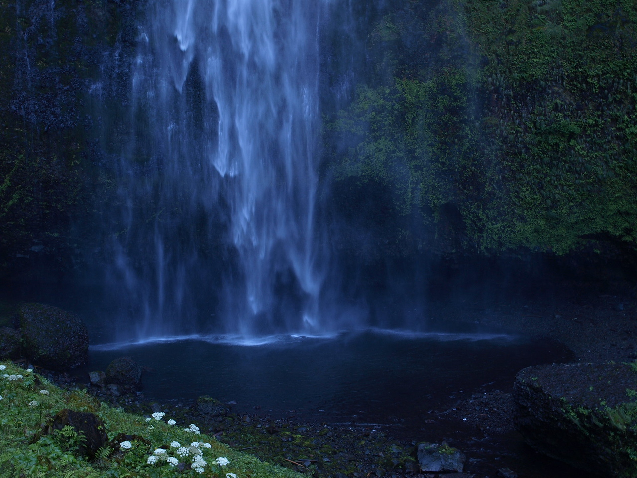 Multnomah Falls on the Oregon side of the Columbia River Gorge