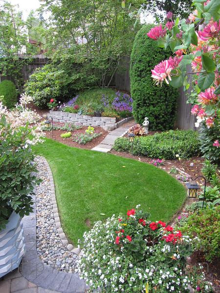 Marilyn and Kjell's backyard