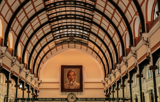 Inside the post office offered beautiful architecture and a portrait of Ho Chi Minh