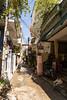 The street of our hotel. Even narrower than the streets in Ha Noi.  --  La rue de notre hôtel, encore plus étroite que les rues à Ha Noi.