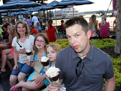 We stopped by the Ghirardelli Ice Cream shop.  Mmm, Mmm, Good!  Chris was given us his come hither & try my Ice Cream look. ;)