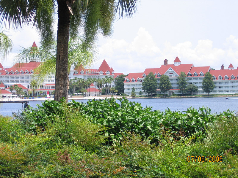 Grand Floridan seen from the Polynesian