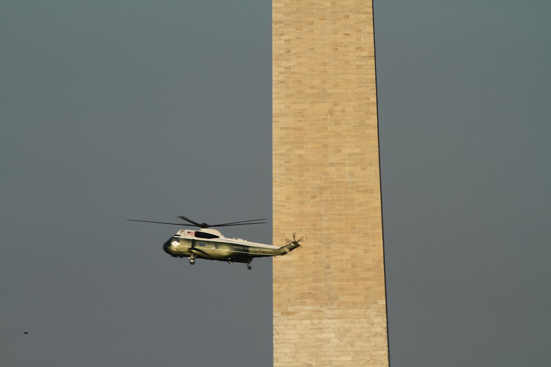 Marine One on final approach to the Whitehouse