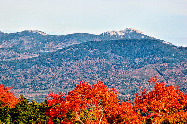 Kancamagus Highway - Scenic Rest Area a splash of Autumn colors adorn Mount Chocorua