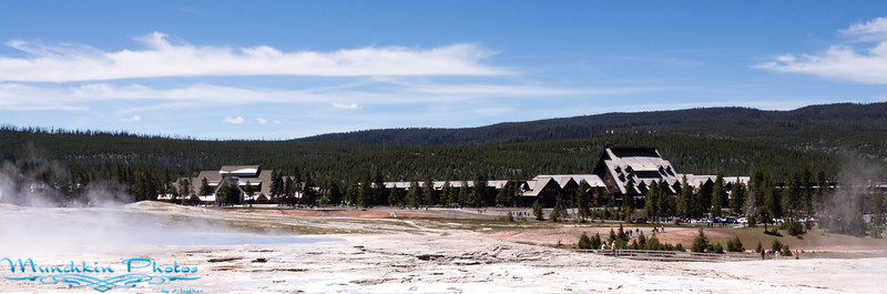 View of Old Faithful Lodge and visitor centor