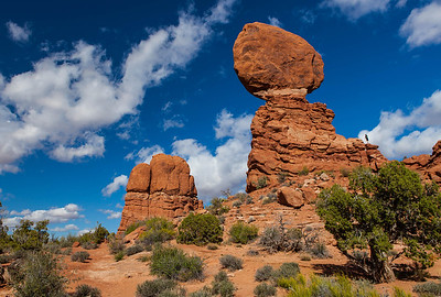 Balanced Rock - Arches Park