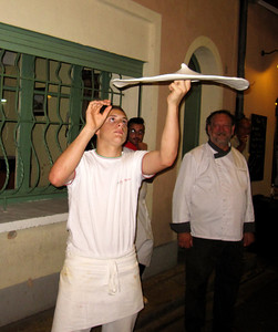 Spinning Pizza Pie in Nimes