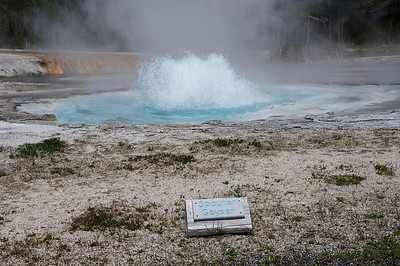 Spouter Geyser at Black Sand Basin