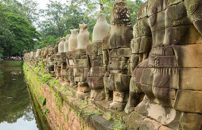 Dubai-AngkorWat (47 of 296)