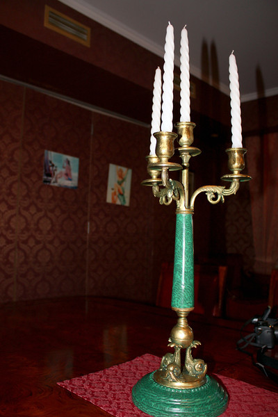 Candelabra in the Квартира Шпака dining room.