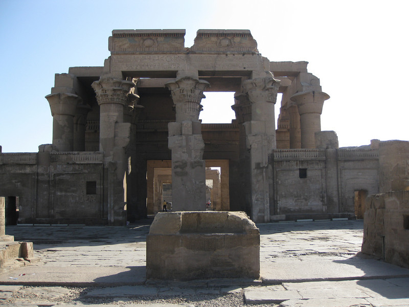 On the way from Aswan to Luxor, we stopped by two temples. This is the first one, the Temple of Kom Ombo.