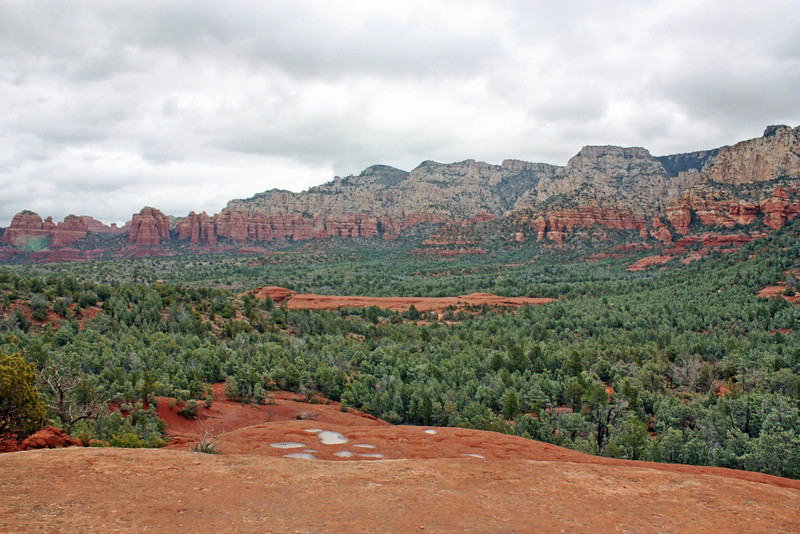 A town of only 11,000, Sedona receives more than 3,000,000 visitors a year - hikers, hippies, spiritual seekers & naturalists - all spellbound by the beauty of Red Rock country.