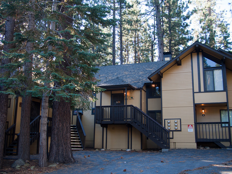 2 1/2 bedroom condo in Big Bear, right by Snow Summit.