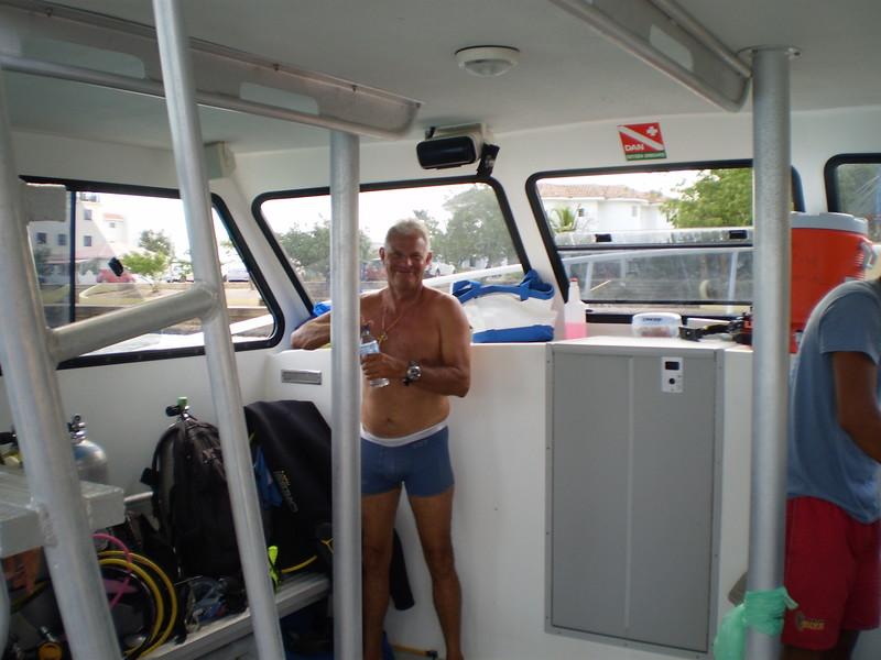 Luis Dive Guide